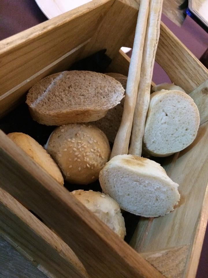 Binario Due, pane e grissini