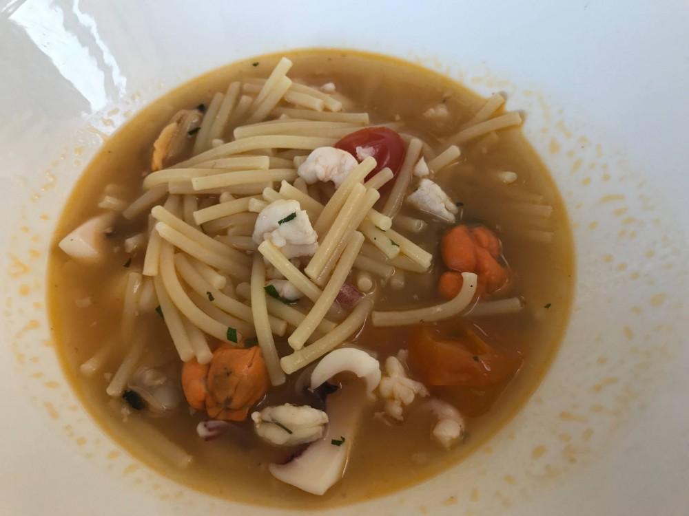 Gallo a Trani, minestra di pesce