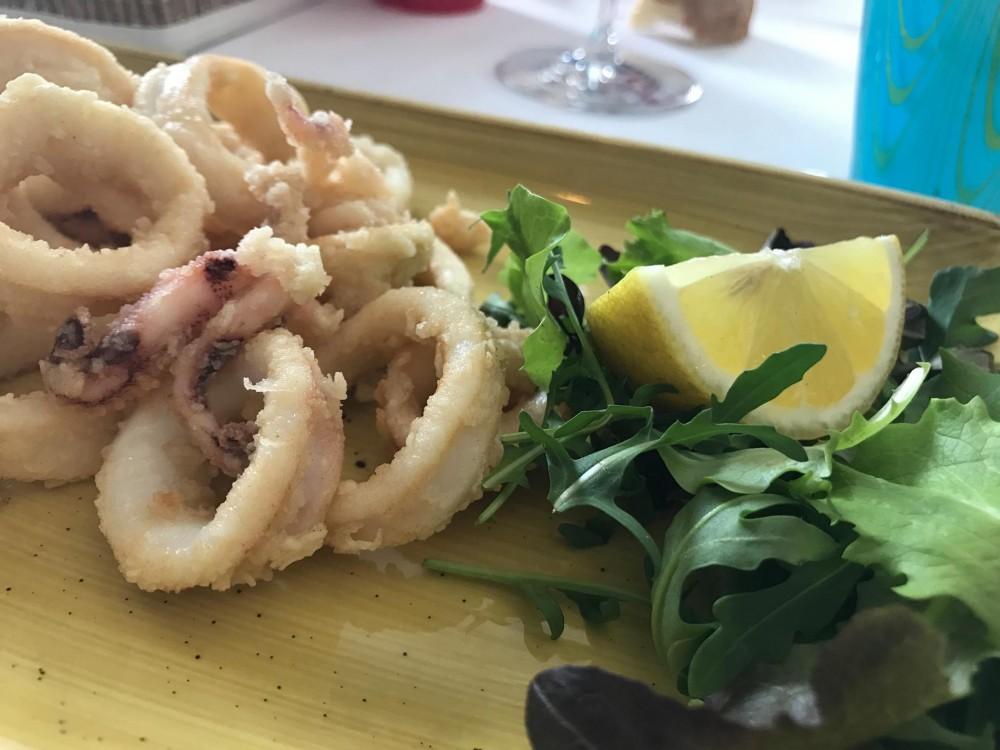 Pescheria, frittura di calamari