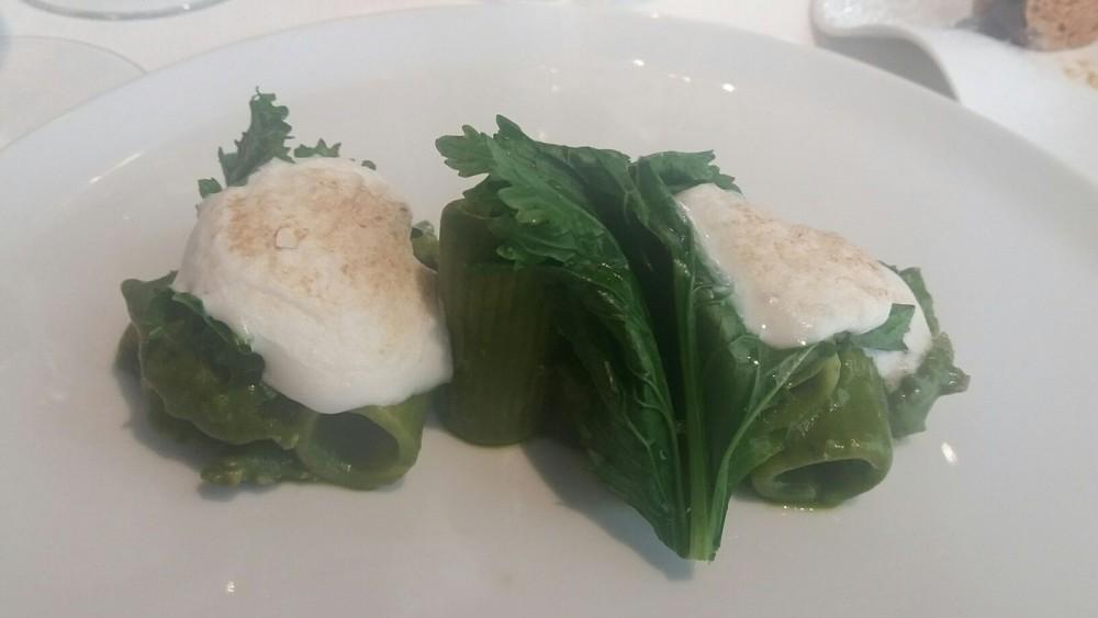 Alessandro Pipero, rigatoni, broccoletti, salsiccia e spuma di pecorino romano