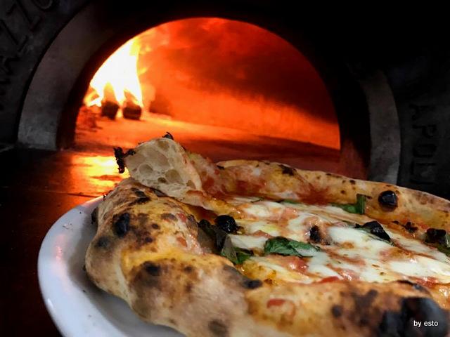 Antonio e Gigi Sorbillo pizza margherita LO SPICCHIO