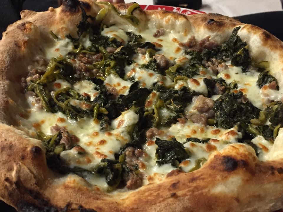 Pizzeria De Rossi, salsiccia e broccoli
