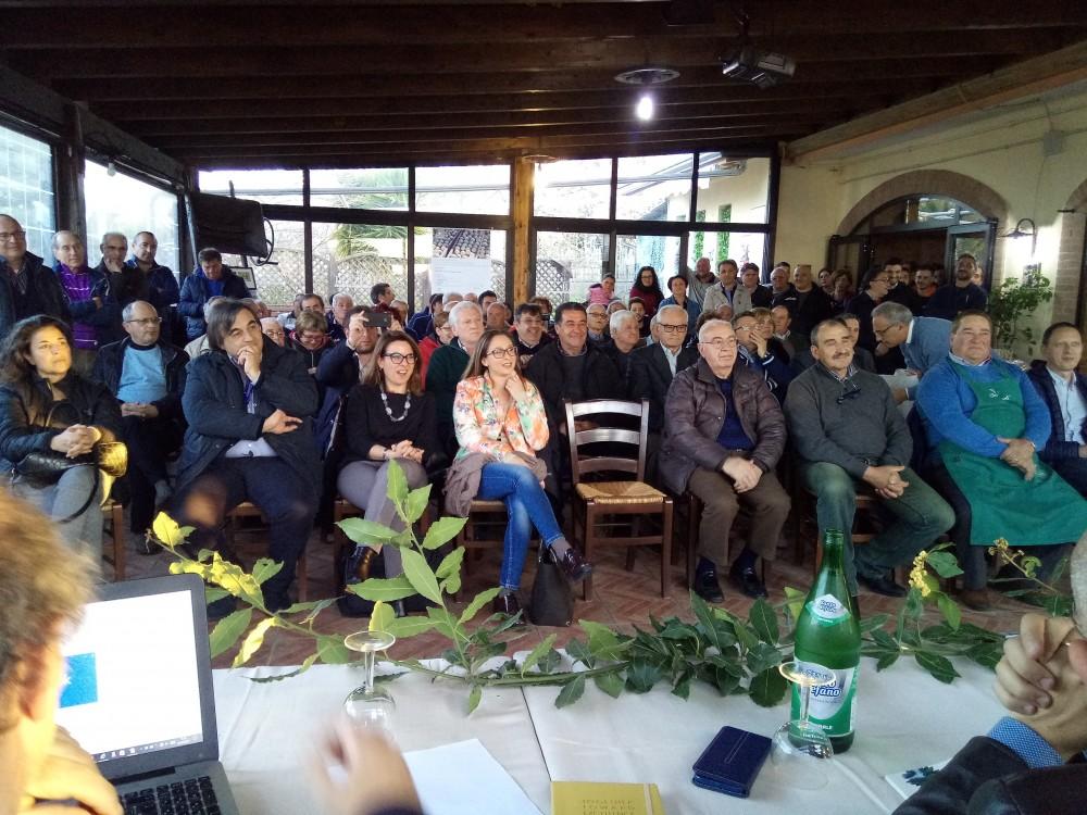 Pubblico presente all'incontro con i produttori del Fico Monnato di Prignano Cilento