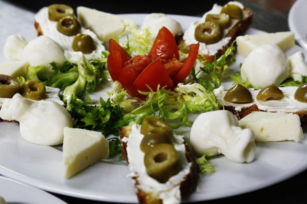 Ristorante Le Macine, piatto di formaggi