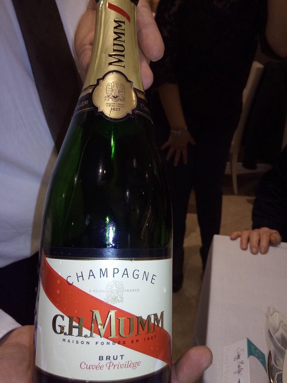Rumi Restaurant Hotel e Spa Bottiglia di Champagne Mumm
