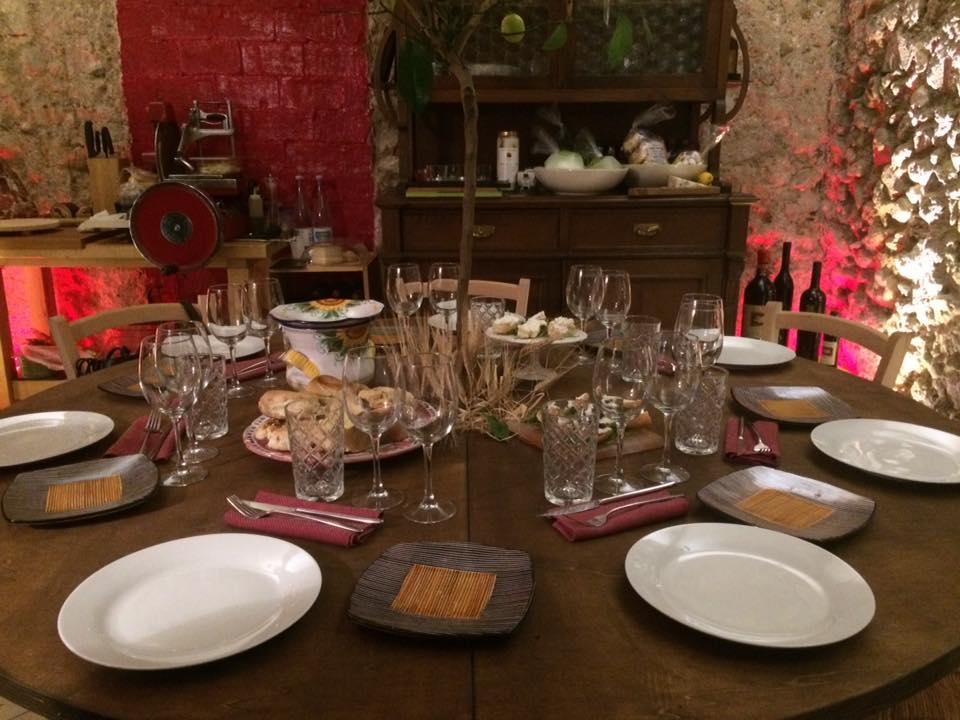 Saletta gourmet, il tavolo