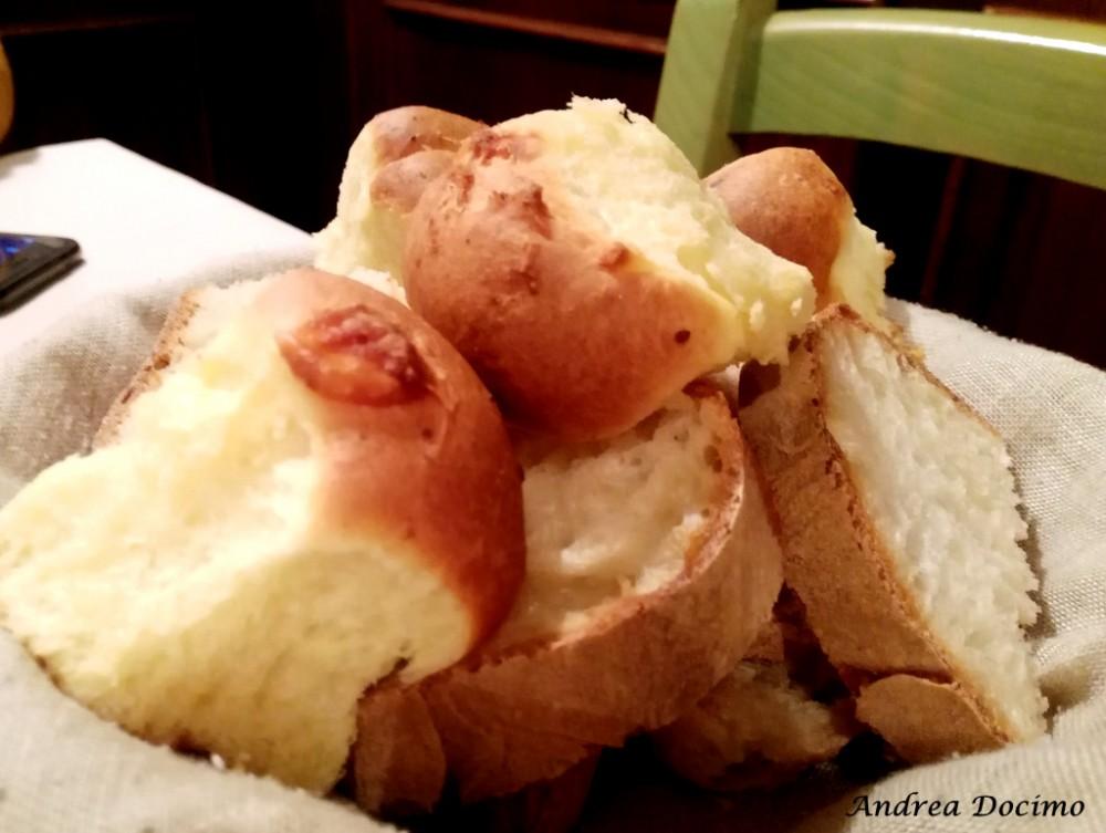 Trattoria Fenesta Verde a Giugliano. Il pane