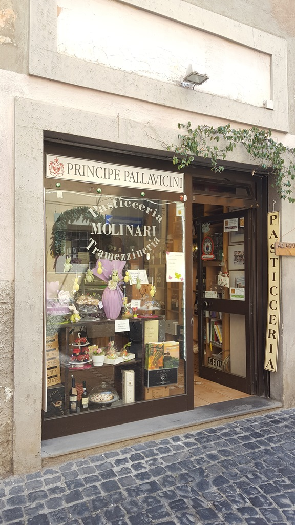 Pasticceria Molinari, ingresso
