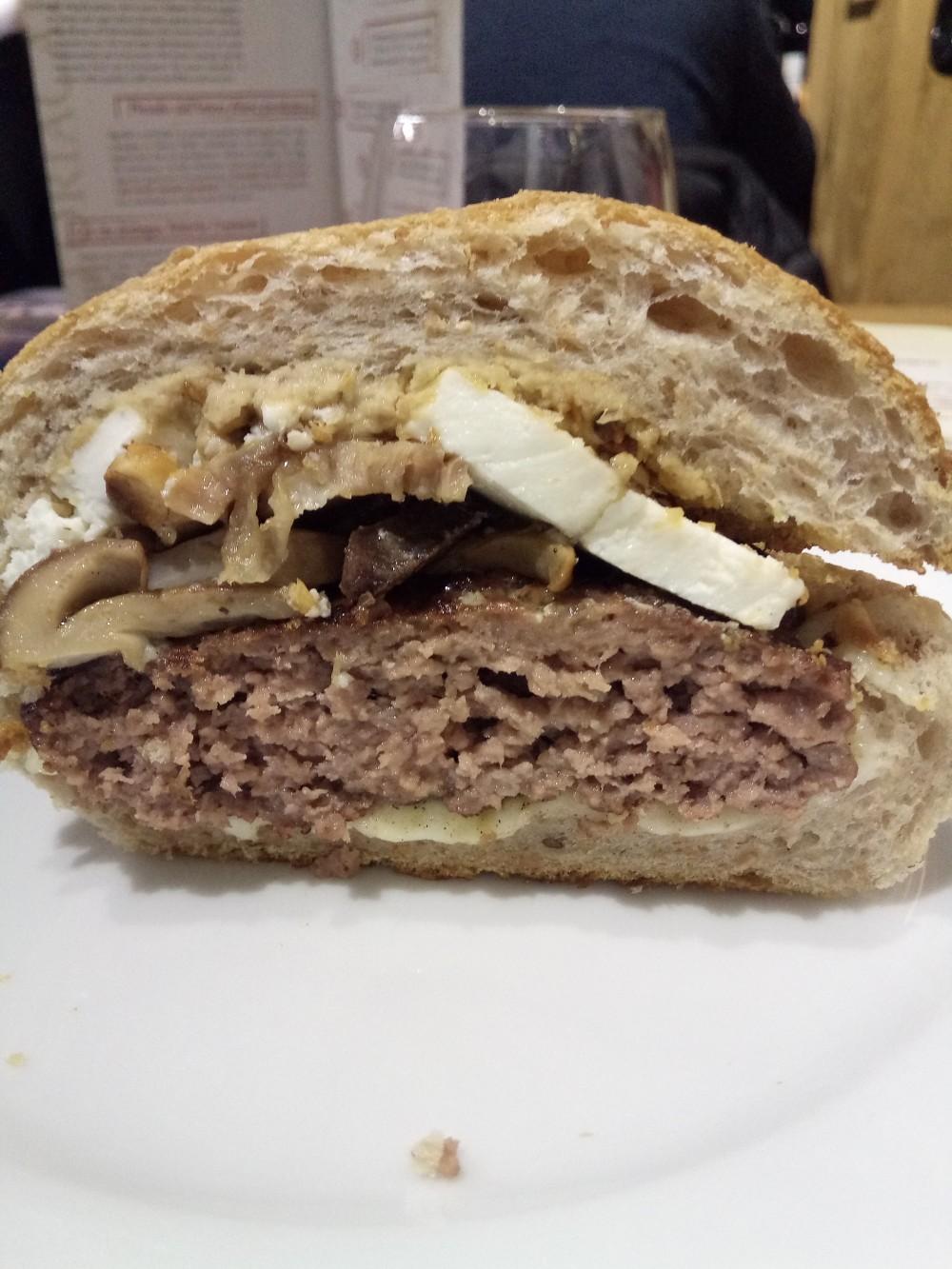 Fattoria Carpineto a Storie di Pane Hamburger Marchigiotto