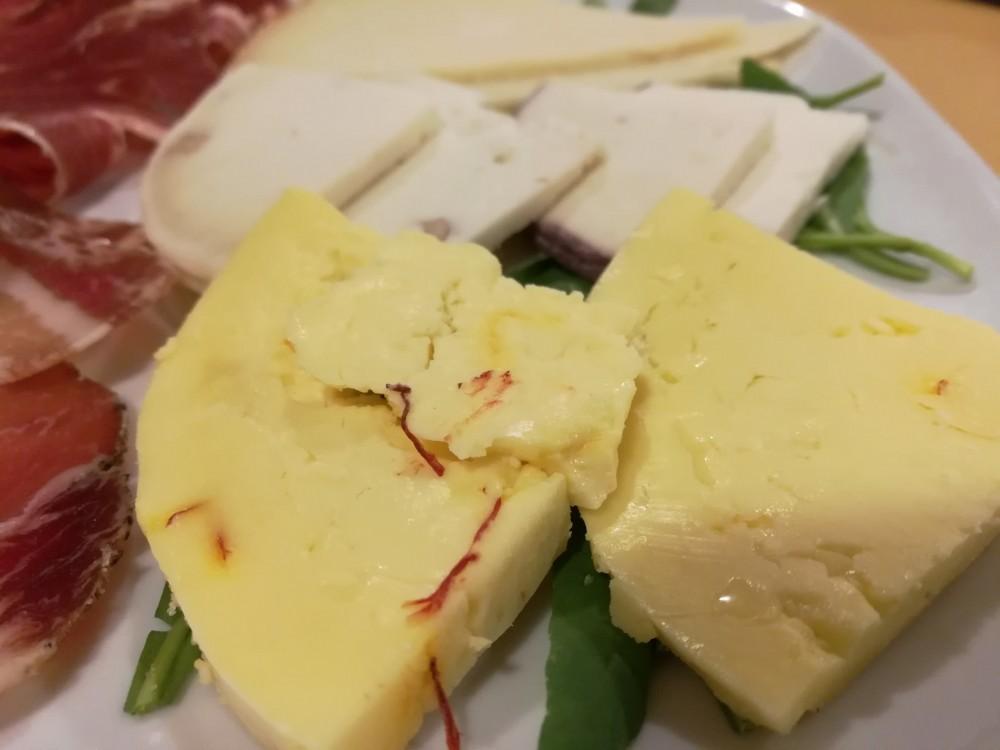 Koine' Soul Food, formaggio allo zafferano