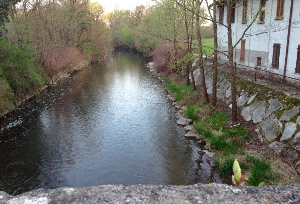 La Rava e la Fava, Cascina Campello, Biassono, di fianco scorre il fiume