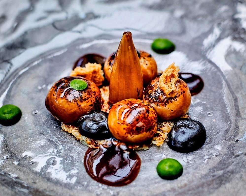 Le Cinq, Le cipolle gratinate, foto ufficiale del ristorante
