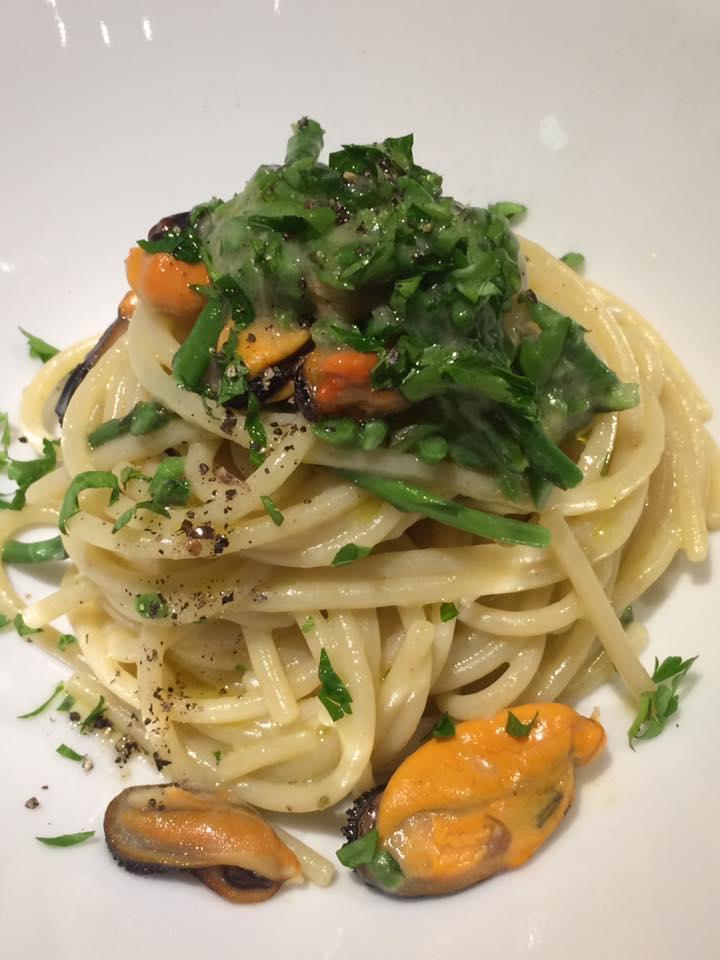 Mazzo, spaghettone con le cozze