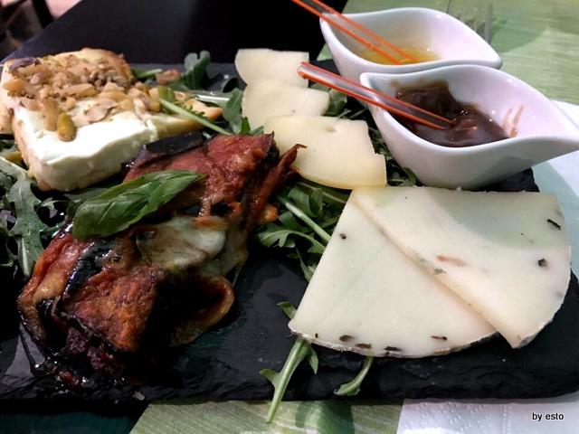 Piperita ricotta parmigiana e formaggi
