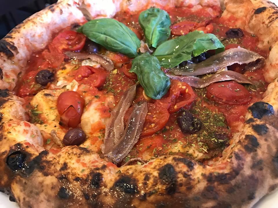 Pizzeria Ciarly, la marinara Charly