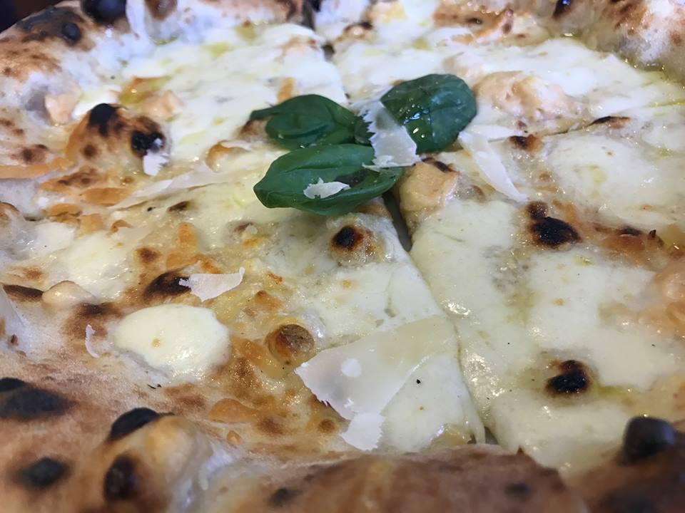 Pizzeria Ciarly, la quattro formaggi