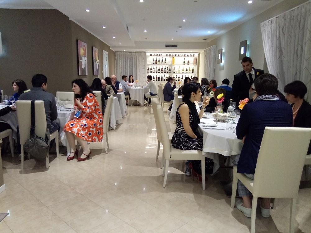 Rumi Restaurant, sala