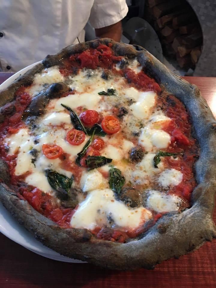 'O Munaciello -pizza nera