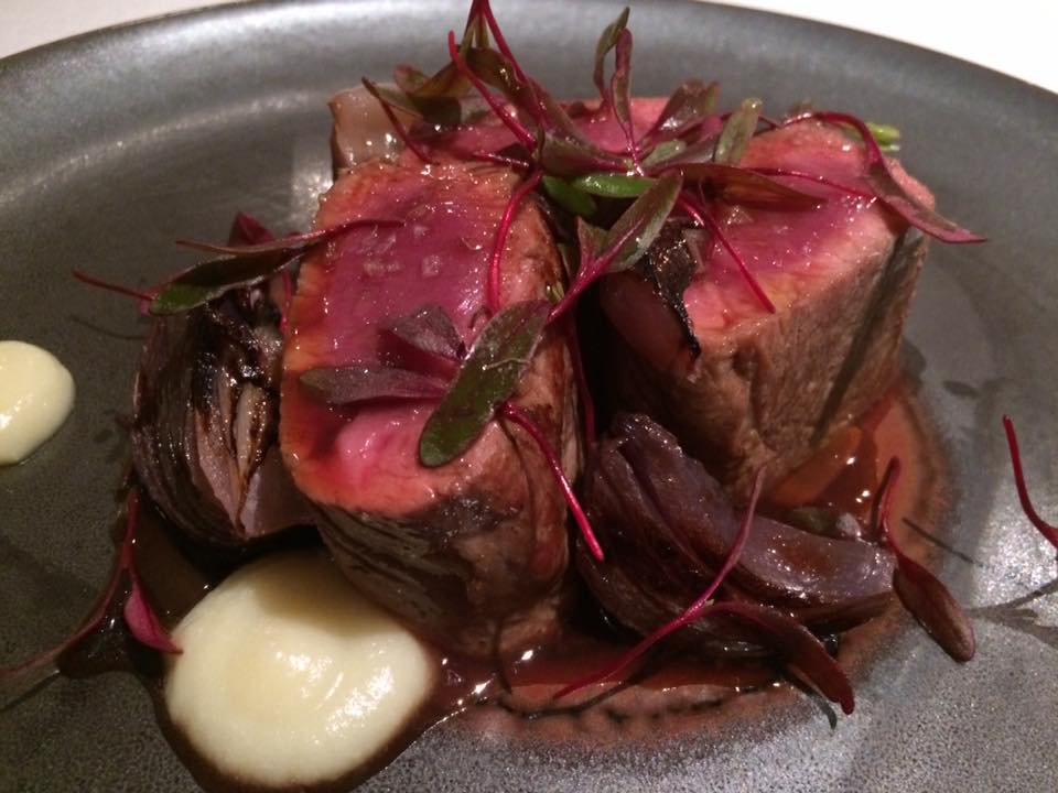Terrazza Tiberio - agnelllo con cipolla rossa brasata e salsa all'aglio dolce