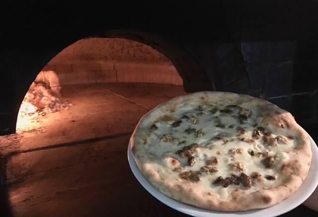 Le vie della pizza di Tramonti - La Violetta