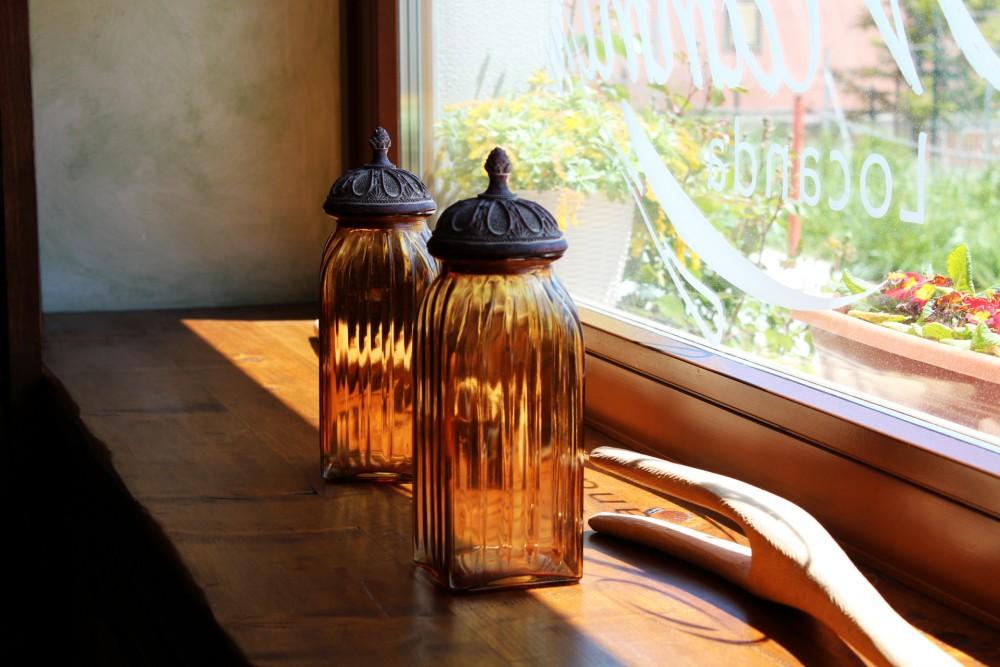 Locanda Mammi' sala ristorante, particolare della vetrata