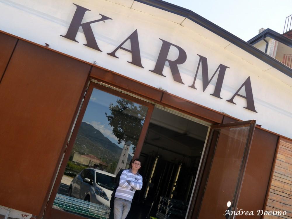 Birrificio Karma di Mario Cipriano ad Alife. Mario Cipriano all'entrata del birrificio