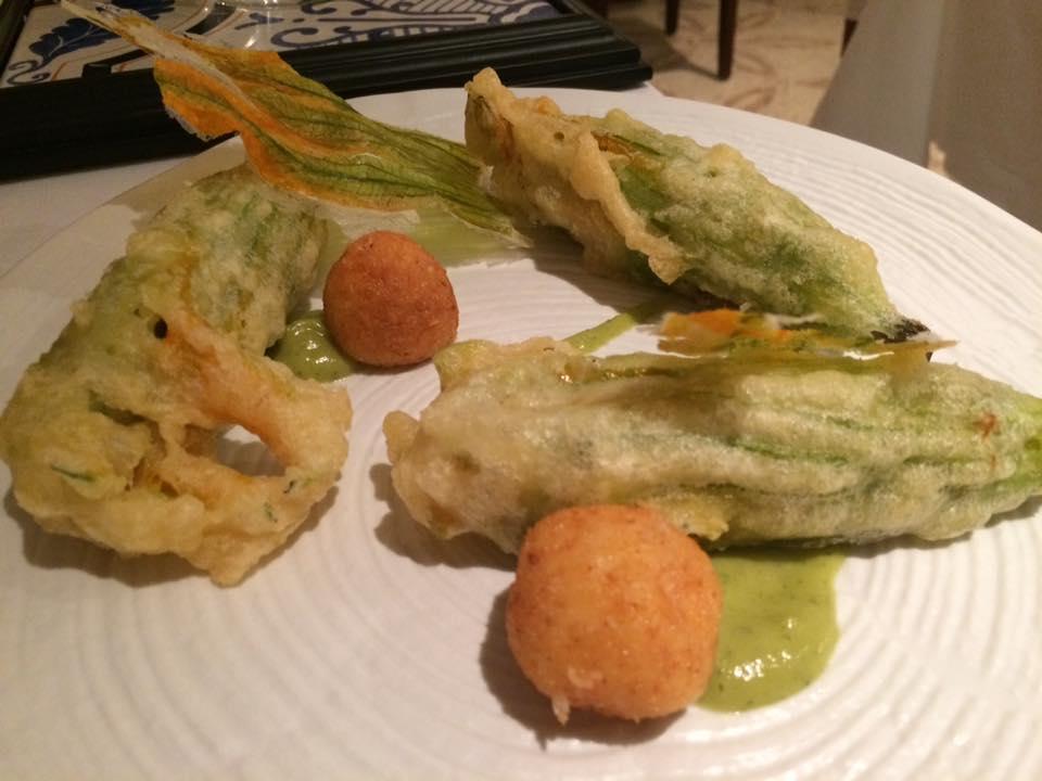 Terrazza Tiberio - Zucchine, fiori con cipollotto e perle di parmigiano