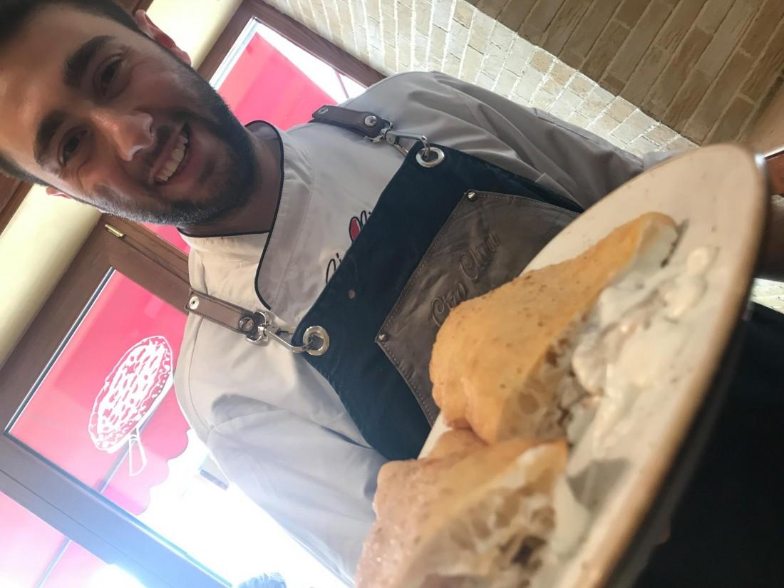 Ciro Oliva e la Pizza fritta con ricciola affumicata