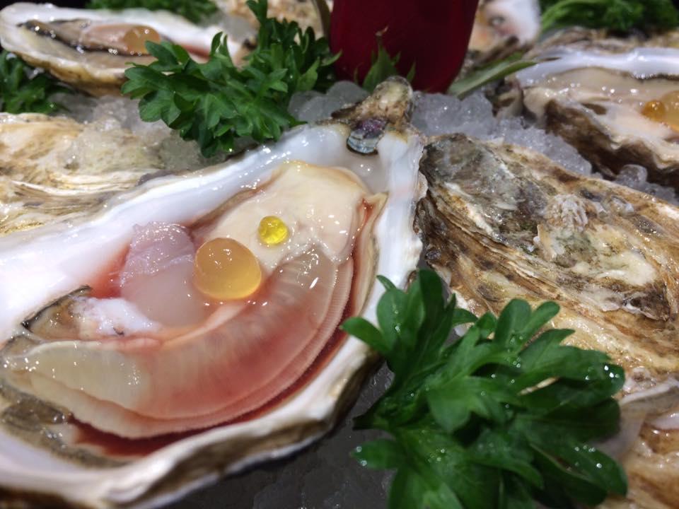Ostriche Regal, succo di Melograno e Perle Di Yuzu
