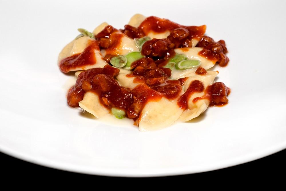 Fubi's - Ravioli pecorino, fave e ragu' di Colombaccio
