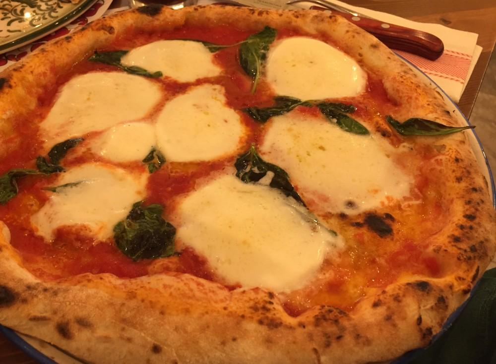 Pizzium, Bufala con pomodoro San Marzano Dop Agrigenus e mozzarella di bufala Dop Caseificio Prati del Volturno