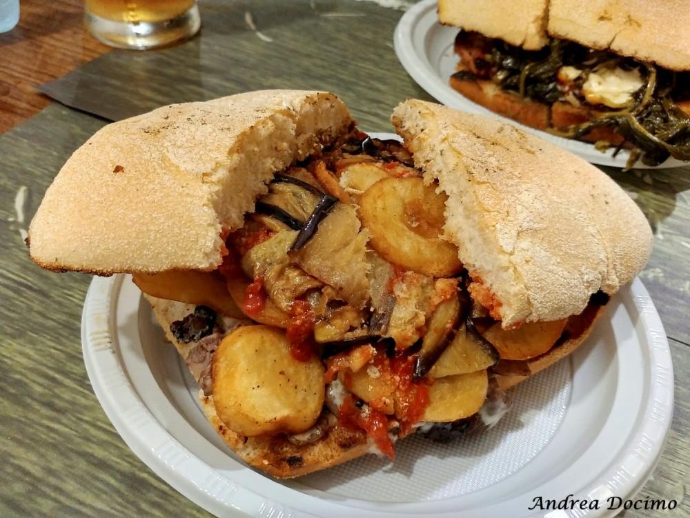 Paninoteca Chioschetto Ciro Mazzella dal 1974 a Monte di Procida. Scorci di panino
