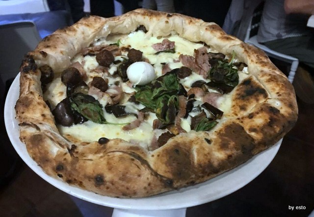 Lucignolo Napoli  pizza con  cornicione ripieno