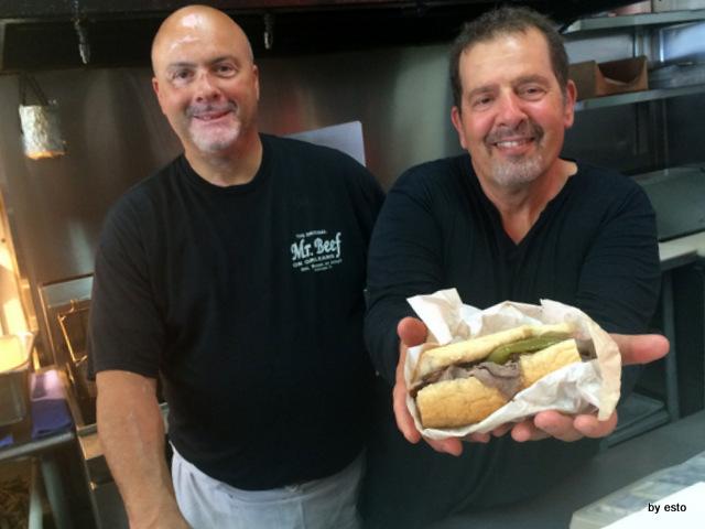 Mr. Beef Chicago il panino con salsiccia