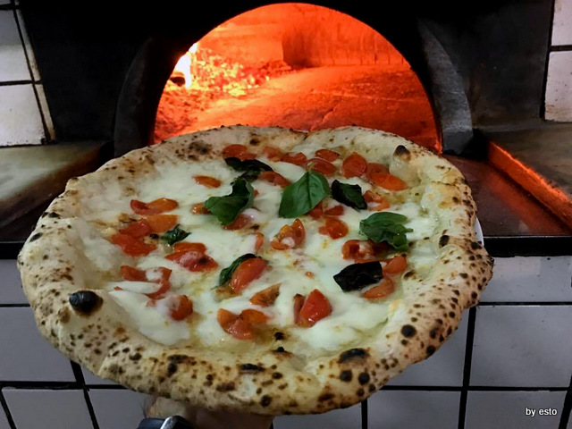Napul'è Pizza margherita e pomodorini freschi