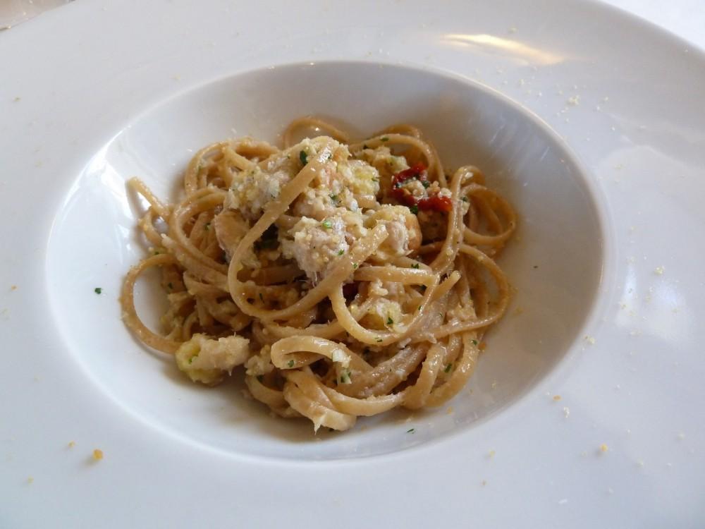 Trattoria Visconti, Ambivere, linguine integrali con ragu' di pesce di lago