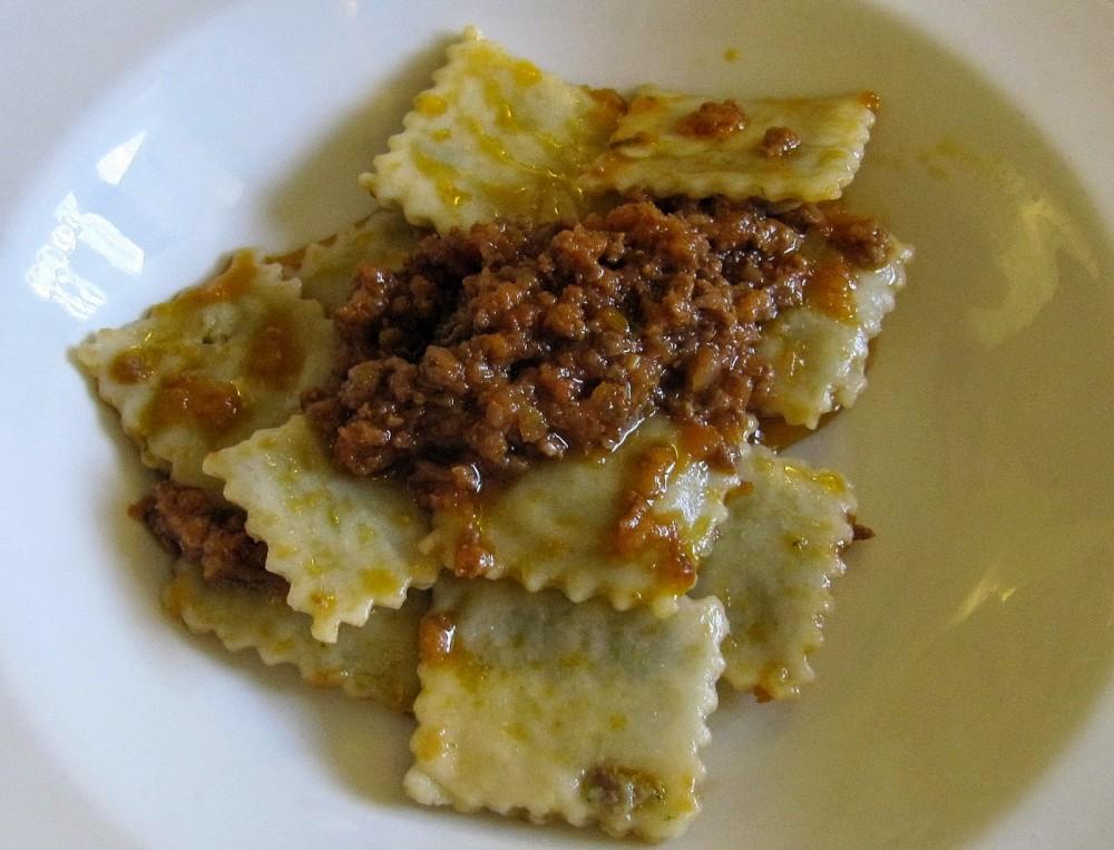 U Baccicin, Mele, ravioli au tuccu