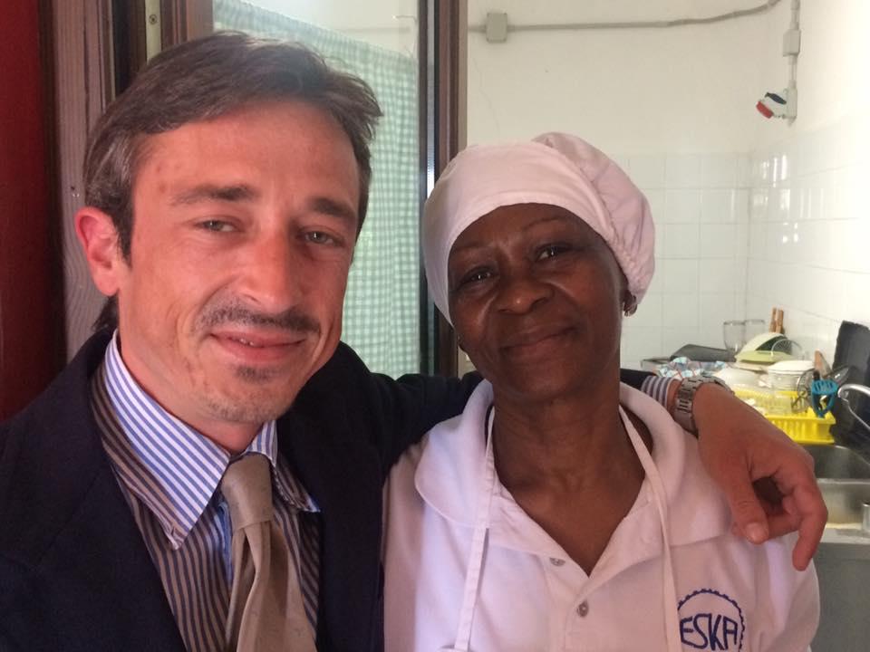 Vincenzo Palladino con la cuoca Lucy