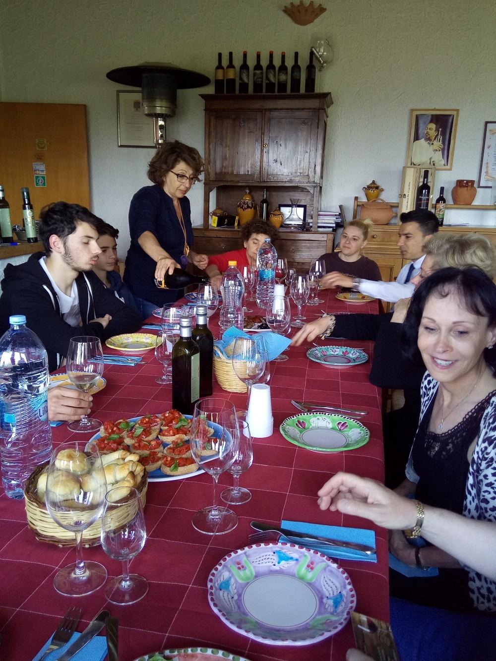 Viticoltori De Conciliis - Tutti a pranzo