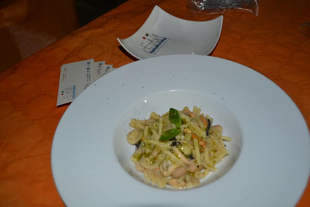 Pasta fagioli di controne cozze e olio prumato al basilito chef Avallone