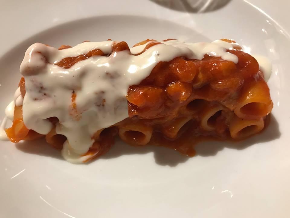Le Giare, amatriciana di sponsale rosso di Acquaviva e pancetta tesa, Varvara, fonduta di pecorino