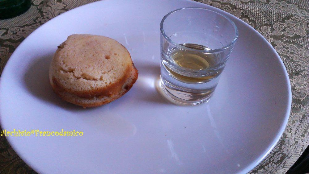 Locanda De Foris – baba' crema e fragol, bagnata al rhum