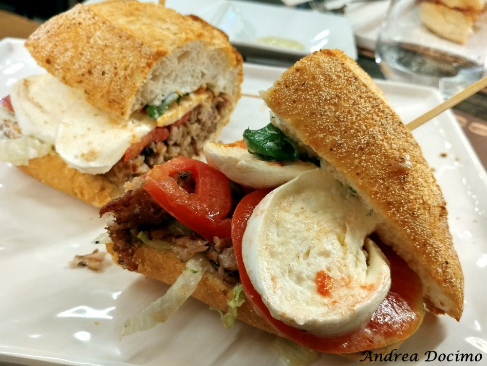 50 Panino di Ciro Salvo. Il Cheesesteak Mediterraneo