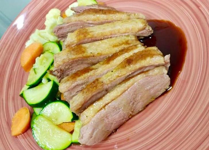 Ciro' - Anatra cotta a bassa temperatura, salsa teriaki e giardinetto di verdure