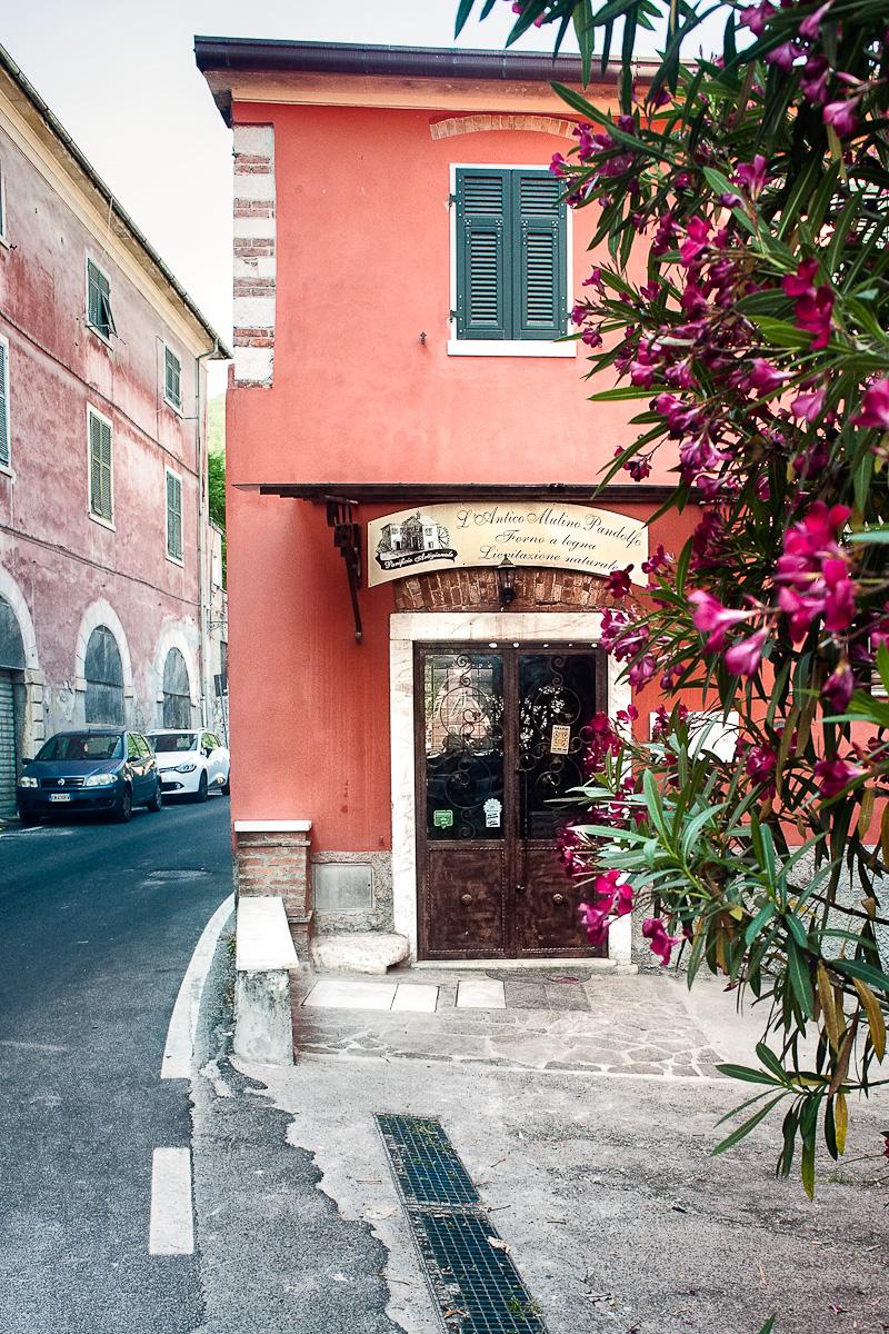 Antico Mulino Pandolfo - L'entrata del negozio