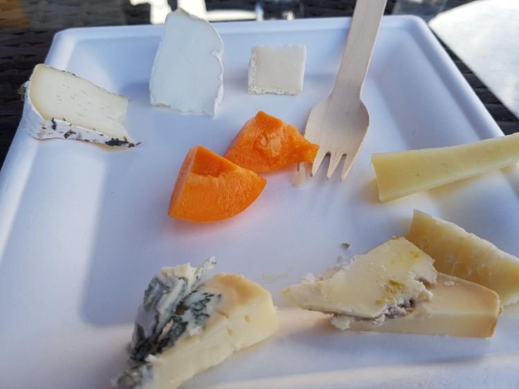 La degustazione di formaggi del Caseificio Aurora.