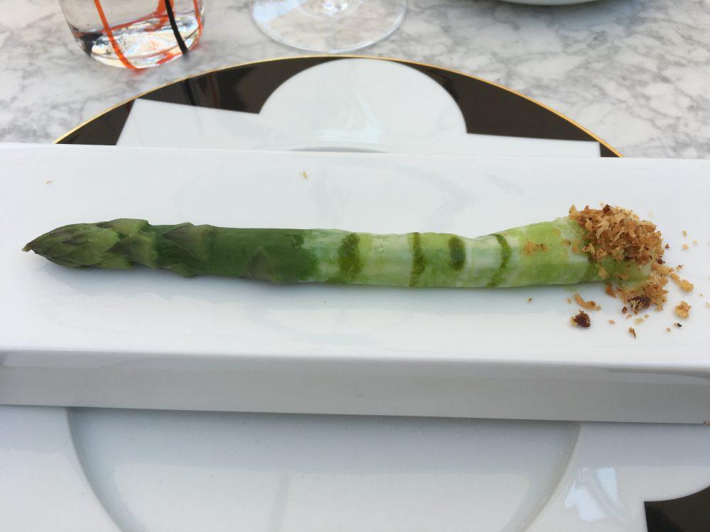 Felix Lo Basso, asparago verde con crema di fave