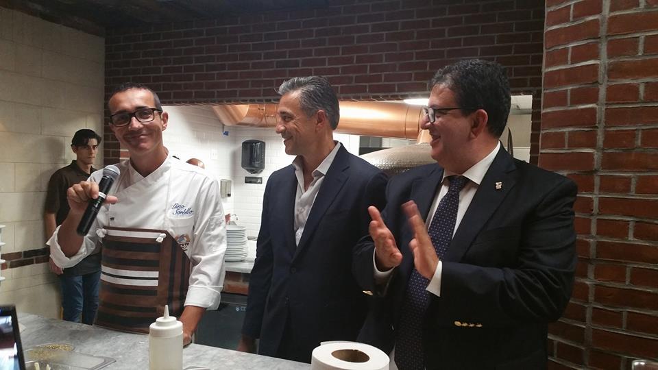 Gino Sorbillo, della pizzeria Sorbillo, moderato da Luciano Pignataro