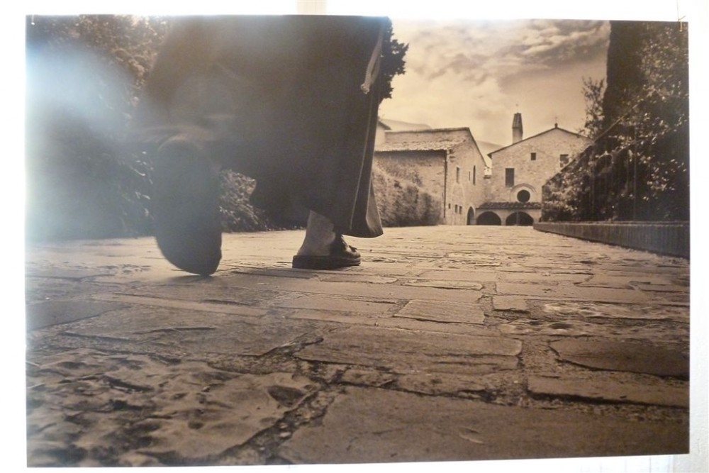 Indole Francescana, si entra a piedi nudi nel tempio, Convento di San Francesco, XIII secolo, Oreno, Vimercate, MB