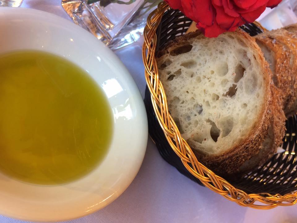 Paola's, pane e olio